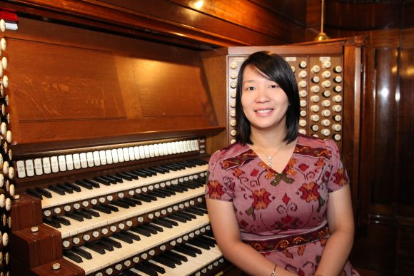 Ria Angelika Polo and the Melbourne Town Hall Grand Organ
