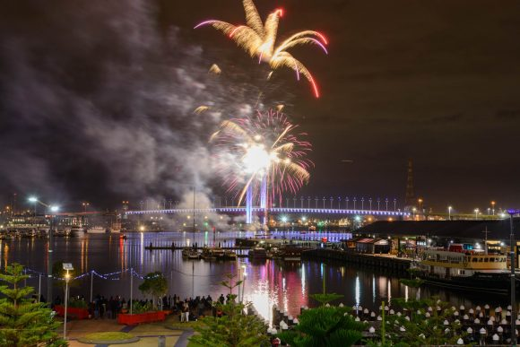 Make the most of a visit to Docklands Fireworks