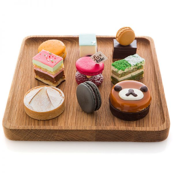 Nine sweet desserts on a tray
