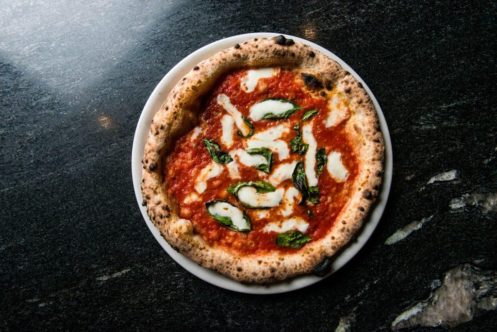 The famous margherita pizza at Gradi