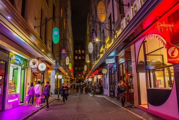 Melbourne laneways: a guide to Degraves Street